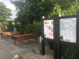 parkeringspladsen-bænk Vejerslev kirke vandreture